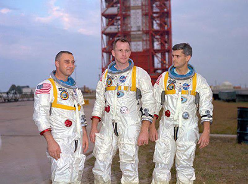 فضاپیمای آپولو 1